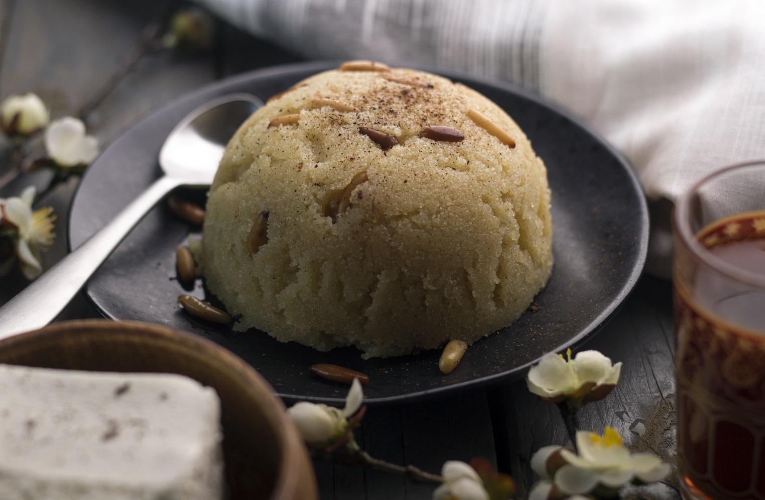 İrmik Helvası (Turkish semolina Dessert)